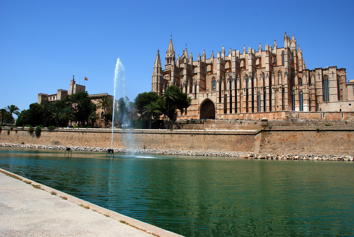 Vista de la Catedral de Mallorca cerca del Free Tour
