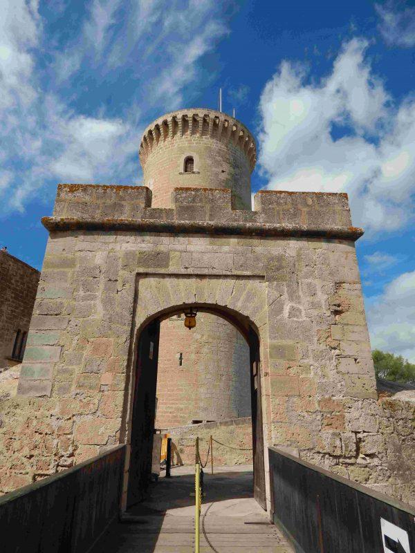 bellver castle tour